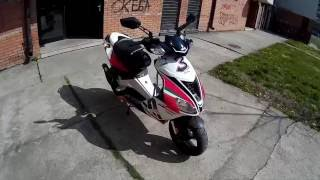 9. Aprilia SR 50 2011 Alitalia Review