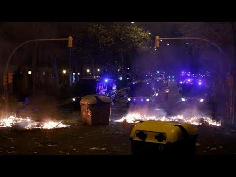 Καταλονία: Διαδηλώσεις, συγκρούσεις και μολότοφ