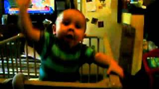 Baby Dancing HARDSTYLE  !