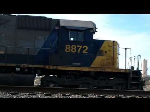 CSX engines 8872 and 65