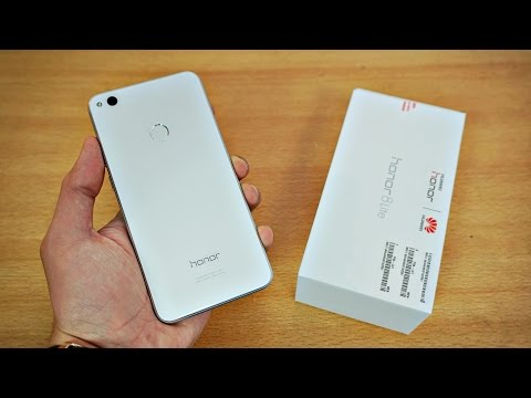 Huawei Honor 8 Lite - Unboxing & First Look! (4K)