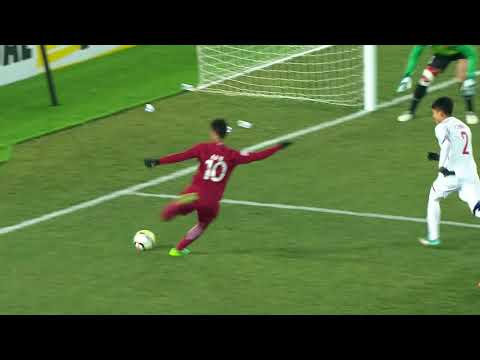 Almoez Ali gives Qatar the dramatic lead late in the second half!