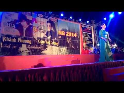 Chuyên hoa sim - Phi Nhung tại hội chợ Hạ Long 19/10/2014
