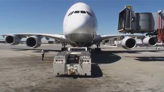 Video Pilotseye.tv - Lufthansa Airbus A380 - Departure from San Francisco [English Subtitles] MP3, 3GP, MP4, WEBM, AVI, FLV Juni 2019