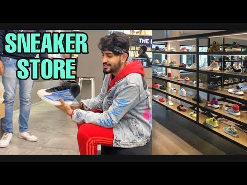 Shopping at India's Biggest Sneaker Store | ALL NEW YEEZY BOOST | SuperKicks Delhi | Rimorav Vlogs