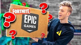 Video Unboxing A Fortnite Package from Epic Games! MP3, 3GP, MP4, WEBM, AVI, FLV Juli 2018
