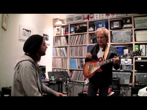 We had a TonePrint session with Lee Ritenour in his studio in LA. He made Two TonePrints for Flashback Delay. Check out these cool TonePrints form a living jazz legend.