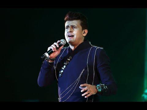 Bollywood playback singer Sonu Nigam\u200b mesmerising Doha audience at a musical concert. (видео)