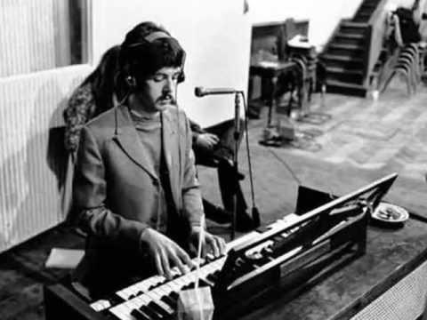 Yesterday seria a primeira música eletrônica dos Beatles