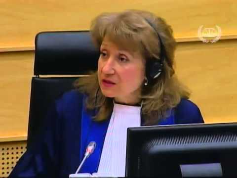 TÉLÉ 24 LIVE:  Dans sa première comparution,  à l' audience  du 26 mars 2013, BOSCO Ntaganda  parle en KINYARWANDA au tribunal pénal international