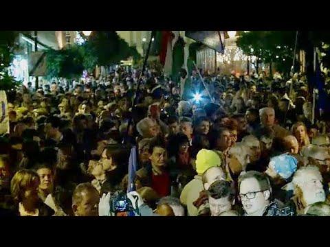 Διαδήλωση κατά Όρμπαν και υπέρ του πανεπιστημίου που στηρίζει ο Σόρος…