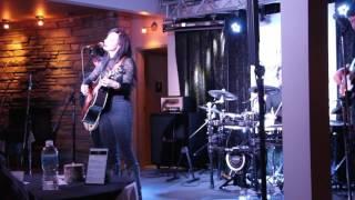 Earthquake Live - Stevie Jewel