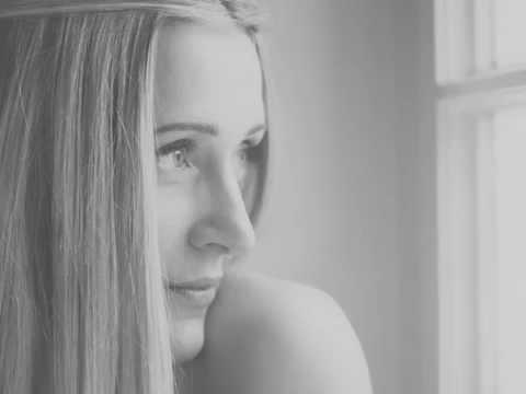 Tekst piosenki Sabina SaGo - I Follow Rivers po polsku