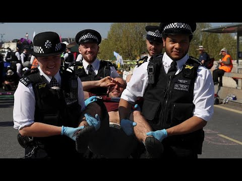 Großbritannien: Mehr als tausend Klimaaktivisten in L ...