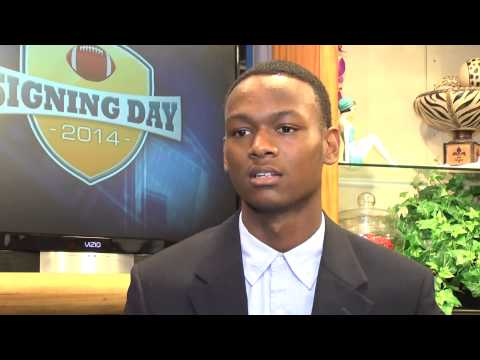 Tyrique - Tyrique Robinson of North Myrtle Beach High signed with Tusculum. Follow us on Twitter: http://www.twitter.com/CarolinaLive Like us on Facebook: http://www.f...