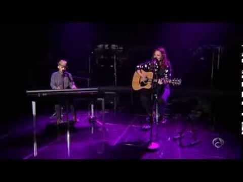 Jesse & Joy - Corre (Numero Uno)
