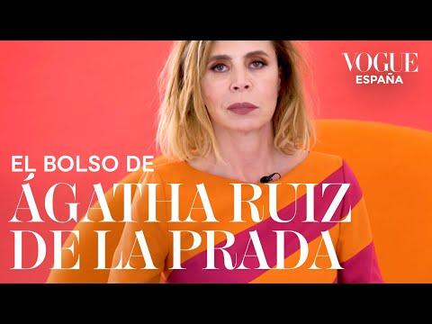 Qué lleva en su bolso Ágatha Ruiz de la Prada | VOGUE España видео