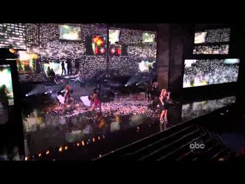 AMAs 2012: Kelly Clarkson Does Greatest Hits Medley