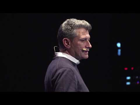 Ondate di innovazione stanno cambiando il mondo   Gianluca Dettori   TEDxTaranto