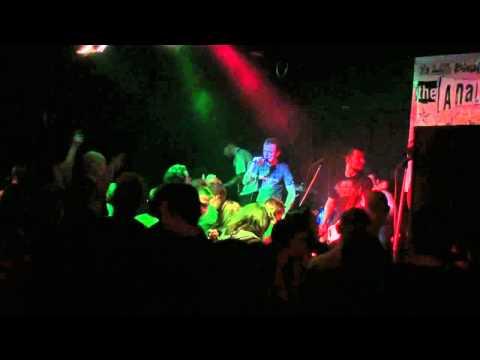 Tekst piosenki The Analogs - Blues pudła w Folsom po polsku