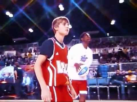 Justin Bieber Fumbles at 2011 NBA Celebrity All-Star Game