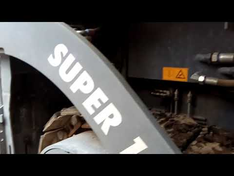 WIRTGEN GROUP ASPHALT PAVERS SUPER 1800 2 equipment video R6ab42KsQ6c