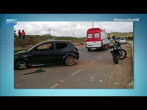 Mulher fica ferida após capotamento na rodovia Lauro Porto em Socorro