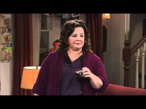 Mike & Molly - First Christmas Extended Preview