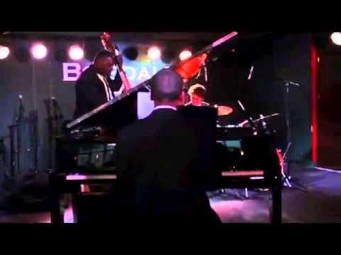 Nicola Emmanuelle live at Boisdale of Canary Wharf (видео)