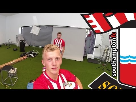 #TheStripesAreBack! Saints stars try on new home kit