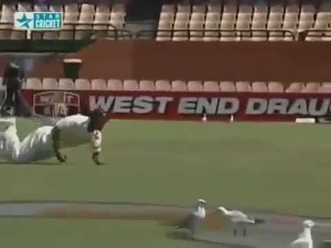 Spectacular Catches By Rahul Dravid