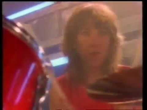 Girlschool - 20th Century Boy (T. Rex Cover)