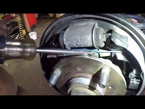1995 Geo Metro Rear Brake Job/Repair