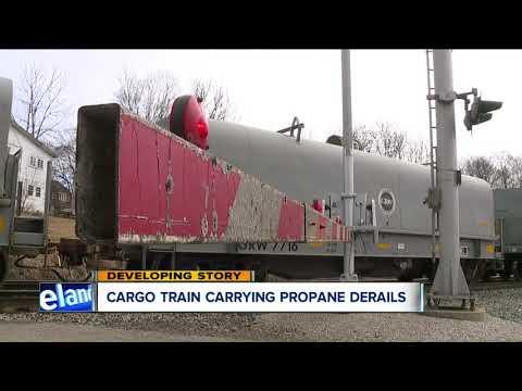 Cargo train carrying propane derails in Ashland County
