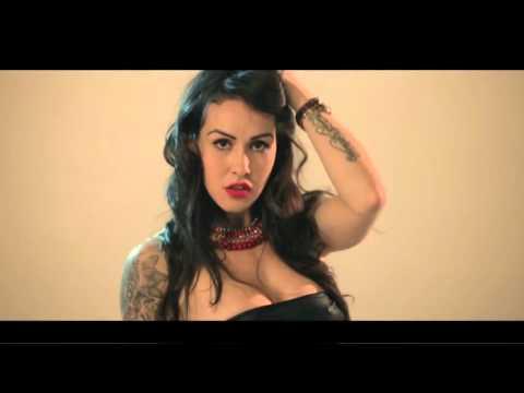 El Villano - Ella Me Dice ft. John Hidalgo