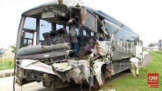 Video Kecelakaan Maut di Tol Cipali, Bus Melaju dalam Kecepatan Tinggi MP3, 3GP, MP4, WEBM, AVI, FLV Agustus 2018
