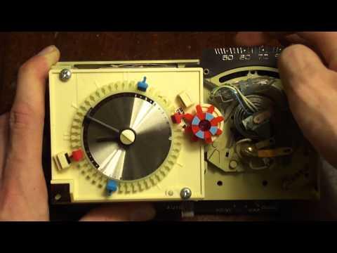 Honeywell Chronotherm T8082- 12V-30V W/ Single Mercury Switch-Thermostat