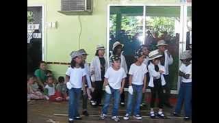 Kuala Belait Brunei  city images : MYAT @ ISB {kuala belait,BRUNEI} school dance.AVI