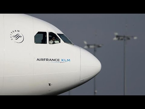 Επιθέσεις στο Παρίσι: ζημιές για την Air France, εκπτώσεις από τη Ryanair – economy
