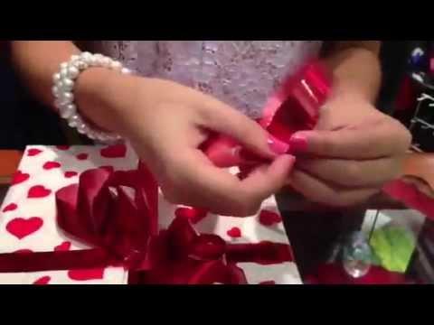 Como hacer lazos  para regalo