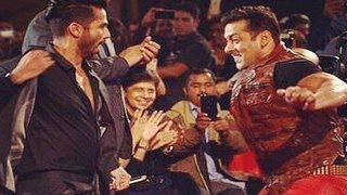 Shahid Kapoor&Salman Khan's BIG Star Entertainment Awards 2014 PERFORMANCE