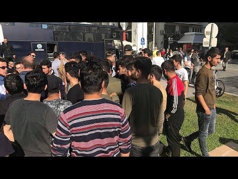 Αποχώρησαν οι μετανάστες που είχαν «κατασκηνώσει» στην πλατεία Αριστοτέλους…
