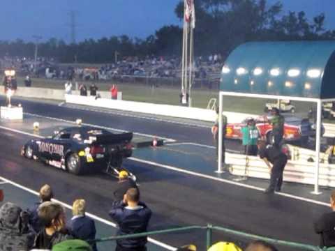 Man O War Funny Car Scraping The Wall At Nitroblast!!  6-11-2011