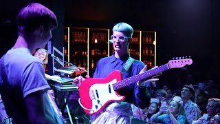 Gus Dapperton - Gum, Toe and Sole LIVE! (On Stage)