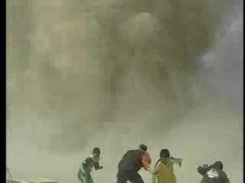 龍捲風襲擊足球場,球員差點因此遭殃!