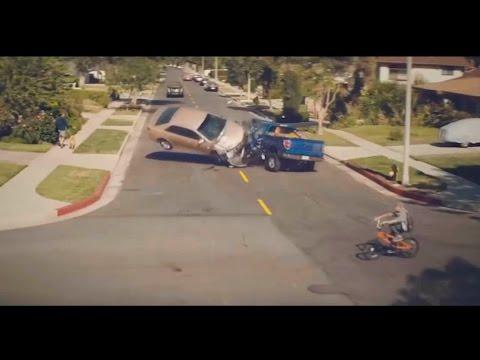 Самая страшная авария! Используйте автомобильный держатель для смартфонов