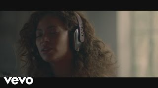 Download lagu Beyoncé - Sandcastles Mp3
