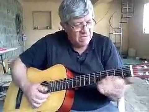 Um Guasca de Encruzilhada do Sul cantando Músicas Gaudérias.