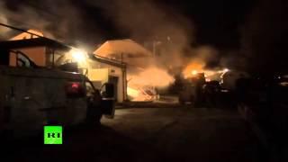 Кадры ночного боя между спецназом и боевиками в пригороде Махачкалы