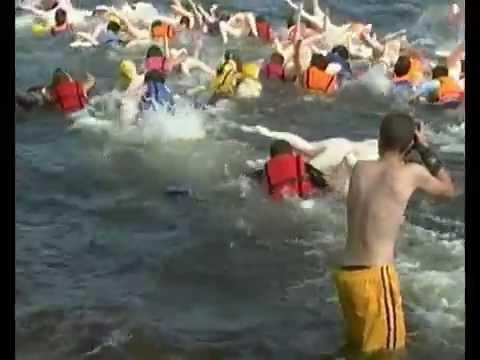 就抱著你的林志玲、或是蒼井空拼命的游泳就對了!